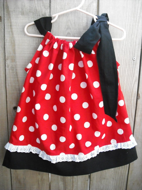 Minnie Mouse dress. Wouldn\u0027t this be cute with a Chef Mickey applique? & 55 best embroidery \u0026 applique designs images on Pinterest   Disney ... pillowsntoast.com