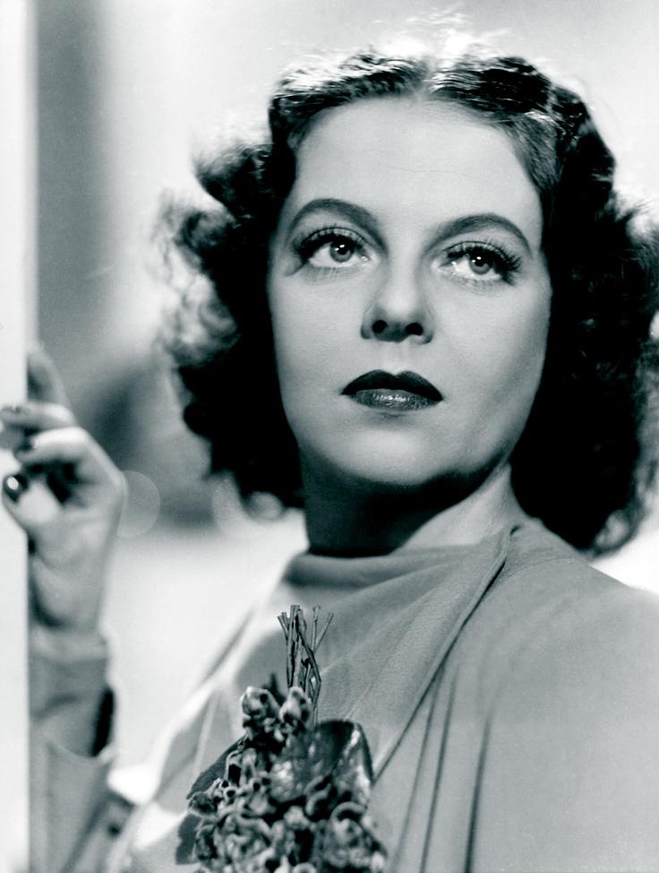 Regina Linnanheimo in Ilmari Unho's movie Kuollut mies vihastuu (Dead Man Gets Angry), 1944