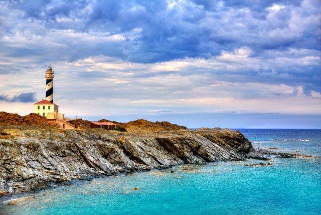 Cari Pirati, vi proponiamo una vacanza nella splendida isola di Minorca. Il prezzo che leggete è disponibile partendo in 4 persone, ma sono disponibili ottime tariffe anche partendo in 3 o 2 persone, approfittatene!  Assieme a Maiorca, Ibizia e Formentera, forma l'arcipelago delle Baleari e si trova nel Mar Mediterraneo di fronte alla Spagna, Paese…