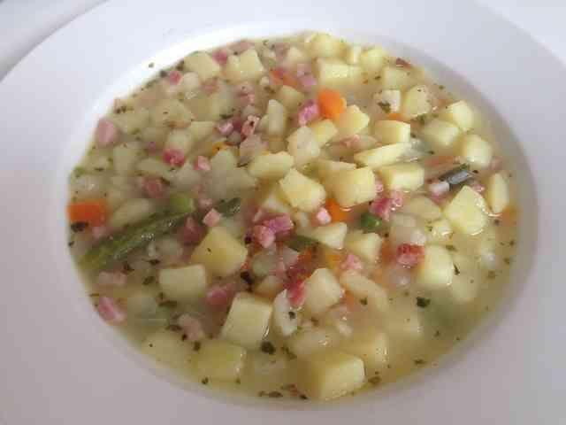 じゃがいものスープ ドイツの家庭料理