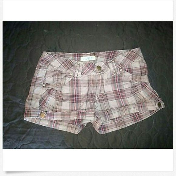 Paris Blues Womens Juniors Shorts Size 0 Adorable Paris Blues Plaid Juniors Shorts  Size 0 Grey and maroon   I bought these and never was able to wear them and now they no longer fit. Great for summertime. Paris Blues Shorts