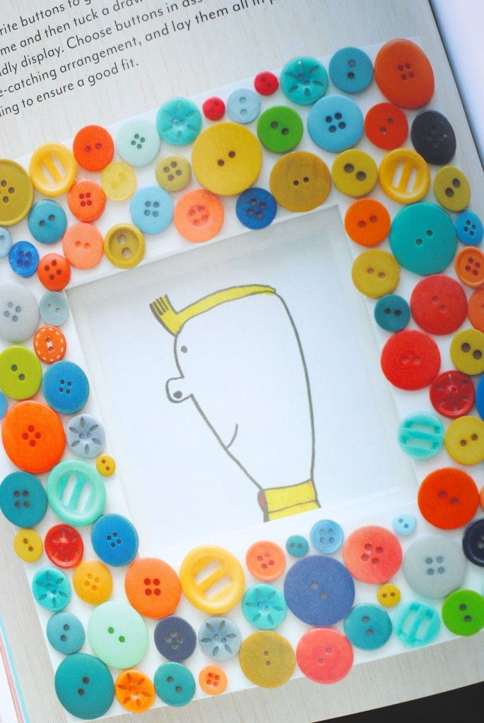 Got buttons?  Make a frame!  Super easy kids craft idea.