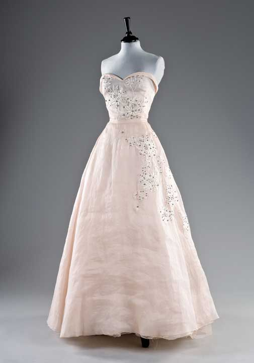 1958 Organza ball gown: Yves Saint Laurent for Dior 'Trapeze' spring / summer collection. Sold for £6000 in 2010