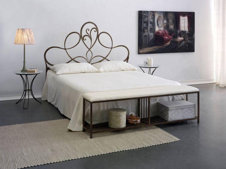 I letti matrimoniali in ferro battuto romantici con stile. #letti #arredo https://www.homify.it/librodelleidee/138063/i-letti-matrimoniali-in-ferro-battuto-romantici-con-stile