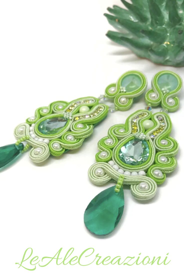 St. Patrick day soutache earrings. Gift idea. Statement soutache jewelry. Eleganti lunghi orecchini in tecnica soutache. Большие сутажные серьги.