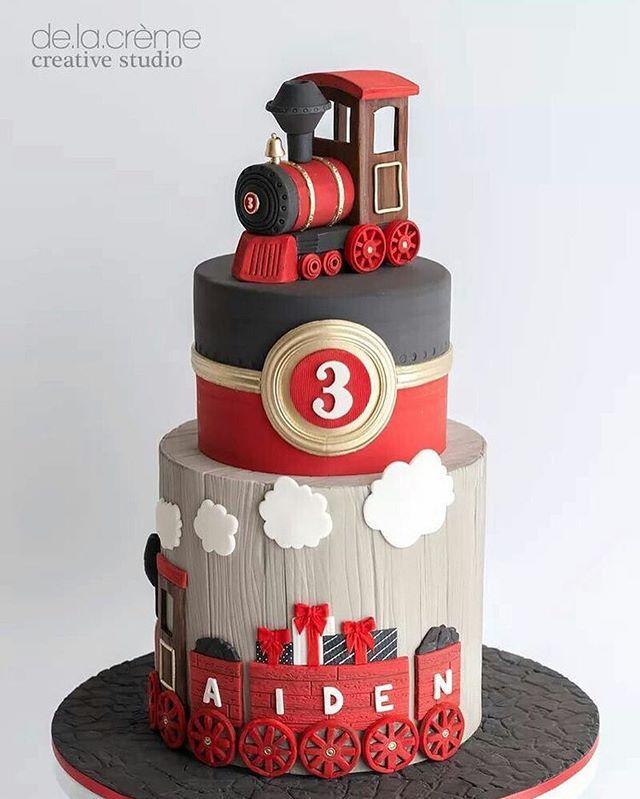 Adorei todos os detalhes deste bolo, desde a paleta de cores até a textura…