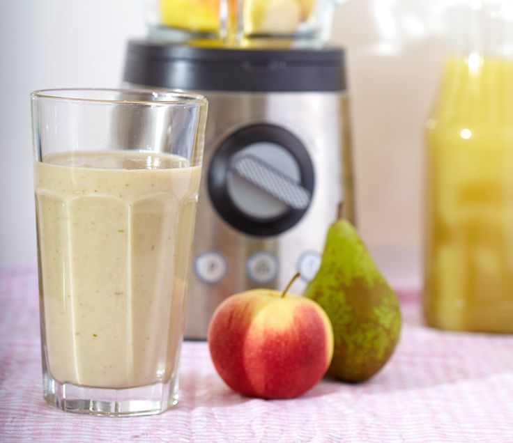 Al kun je appels en peren niet vergelijken, toch hoef je ze beide niet te schillen voor deze smoothie. Scheelt weer wat tijd in de ochtend! Je kunt deze smoothie verdelen over 2 bekers als je geen grote ontbijter bent. Eéntje voor ontbijt, en de rest als tussendoortje.