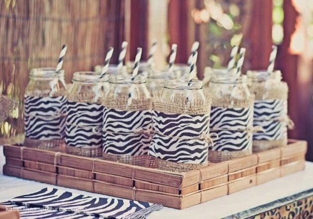 Would be so cute in a bright safari polka dot print, too! Even on juice boxes with just plain brown craft paper....