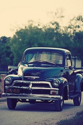 I'd love to have this truck <3 as long as it still has the wooden boards in the bed!