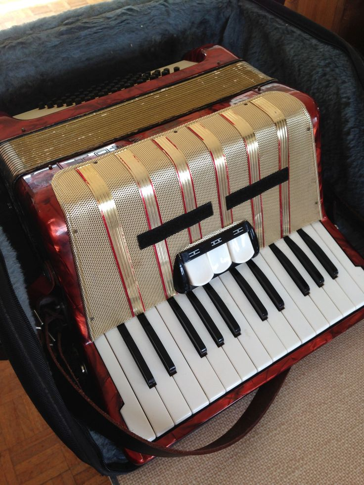 Hohner Students accordion. Sold August 2014. Hohner
