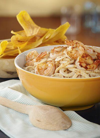 Receta: Arroz con coco, langostinos y calamares
