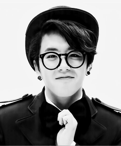 I swear this smol precious man has the voice of an angel that I could listen to allday errday || Block B