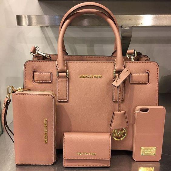 d71ae79a419 Michael Kor Handbags for Women 2017-2018   Beauty   Handbags michael kors, Michael  kors bag, Bags