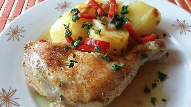 NAŠE KUCHYNĚ: Pečené kuře na másle s cibulí a česnekem a brambor...