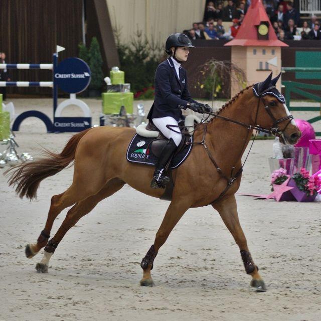 CSO] Lucy Davis victorieuse à Wellington lors du GP Ruby and Violette - WEF - Winter Equestrian Festival. Les résultats des cavaliers tricolores, Olivier Robert, Marie HECART et Jérôme Navet. http://hipposport.fr/index.php?page=BREVES&id=148