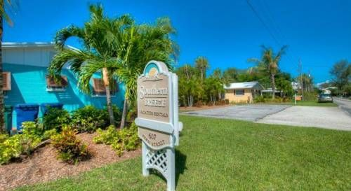 Southern Breeze 1 Anna Maria (Florida) Southern Breeze 1 is a holiday home with free WiFi throughout the property, located in Anna Maria. The property is 30 km from Sarasota and free private parking is available.  There is a seating area and a kitchen. A TV with cable channels is...