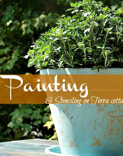 Painting on terracotta with chalkpaint and stenciling a garden pot.