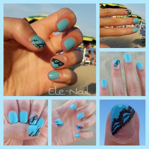 Smalto azzurro con pizzo nero... una nail art estiva che aiuterà a catturare l'attenzione della gente sulle vostre mani.