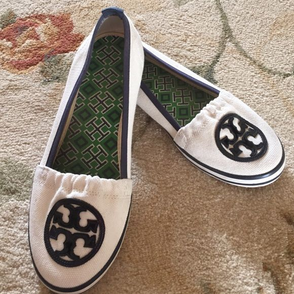 Authentic Tory Burch canvas shoes. Size 8 Authentic Tory's. Size 8. Off  white