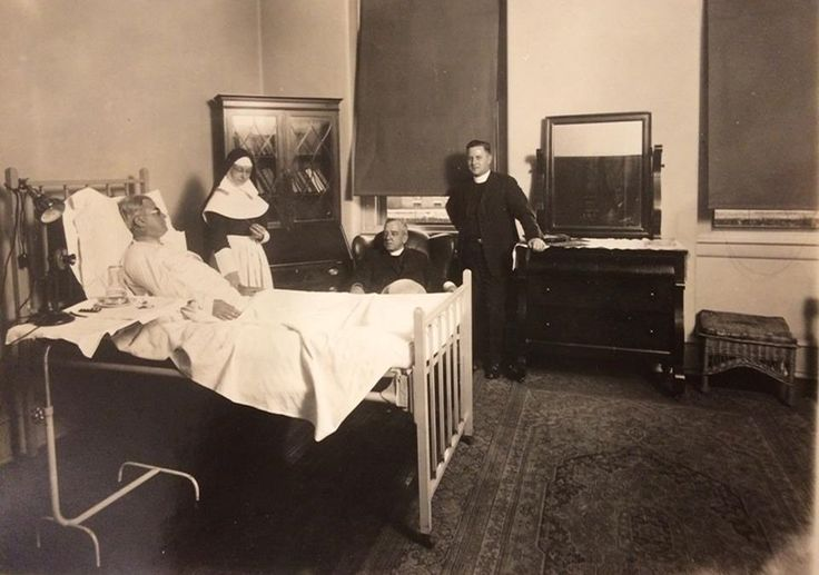 Private patient room at Misericordia (Mercy Philadelphia) Hospital in 1918. #ThrowbackThursday #tbt #100YearsOfMercy #CenturyClub