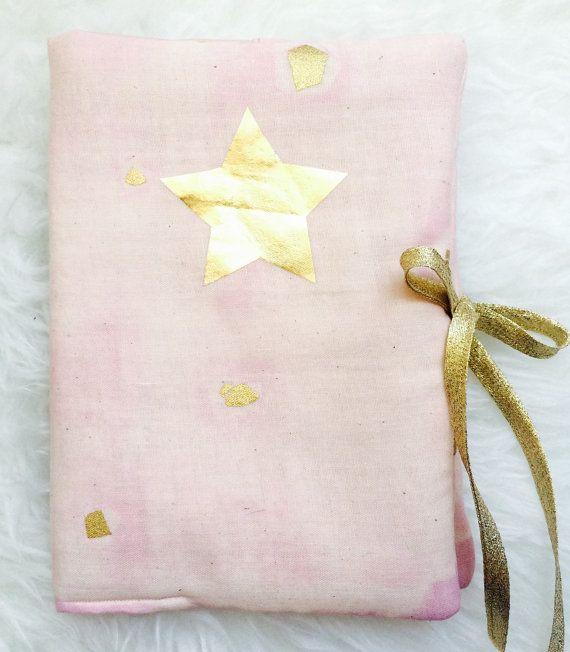 Protège carnet de santé rose pâle et or Pink and Gold Health Booklet protection cover Nani Iro ; Birth gift ; Cadeau naissance ; pink and gold