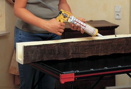 Полиуритановыми балками можно украсить интерьер квартиры быстро и недорого.