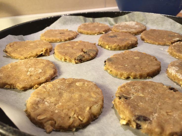 Biscotti con farina integrale e avena