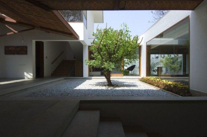 courtyard: Idea, Courtyards Design, Vastu Houses, Indoor Outdoor, Interiors Design, Modern Architecture, Modern Houses, Khosla Association, Indoor Courtyards