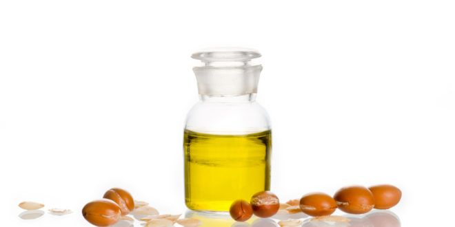 Arganöl - Rezept für eine Gesichtsmaske und Haarkur und viele Infos über die Wirkung des teuren Öls.
