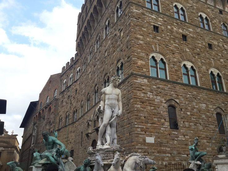 Floransa, Floransa nerede, Floransa da gezilecek yerler, floransa turu, Piazza Della Repubblica, Santa Signoria Meydanı, Pitti Sarayı, Uffizi Müzesi, Piazza