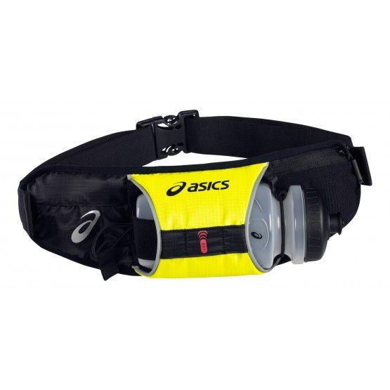Asics Running Waistpack, deréköv, kulaccsal, futáshoz. Szabadidős használatra. Futóedzésekhez, futáshoz szánt deréköv, kis tárolóval és Asics műanyag kulaccsal. Unisex.