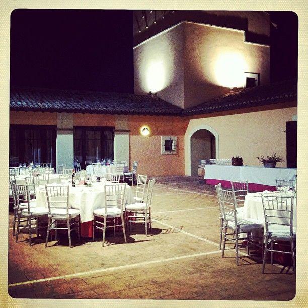 Cena in terrazza con vista sulla vigna della tenuta @Arnaldo Caprai  foto di @lagonzi Francesca Gonzales