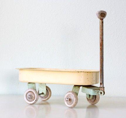 bellalulu: little yellow wagon