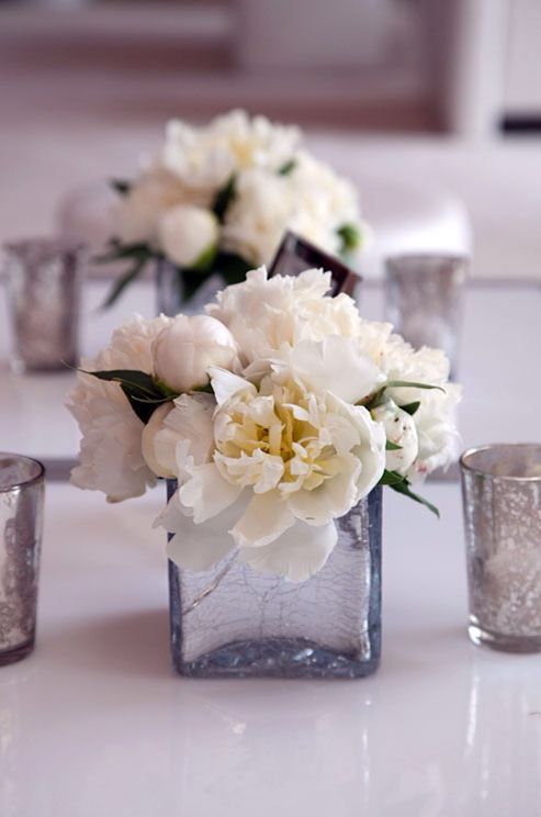 White peonies centerpiece soon very soon pinterest for Small wedding centerpieces