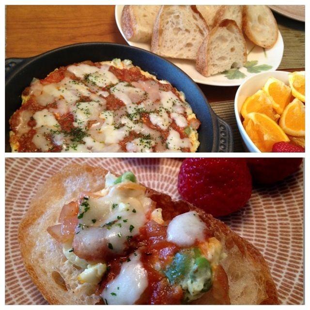 先日のそら豆とポテトのサラダをグラタン皿に敷いて、ミートソースとピザ用チーズを乗せて焼きました。 バゲットに乗っけてオープンサンドにしてお昼ごはんにしました(*^^*) - 13件のもぐもぐ - そら豆とポテトのサラダリメイクで、ポテトミートグラタン♪ by ulysses