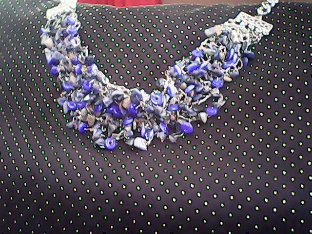 collar  realizado  con piedras naturales  y murano