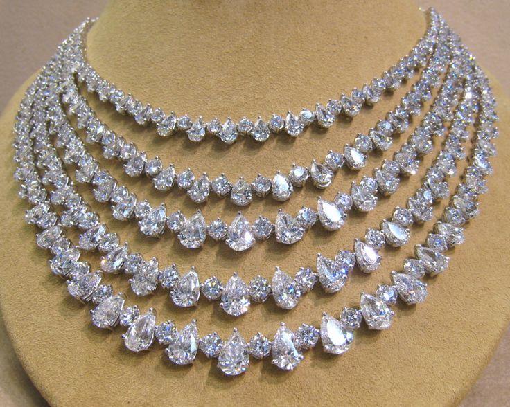 131ct Diamond 5 Row Platinum Necklace 1980s Graff worth $2,500,000