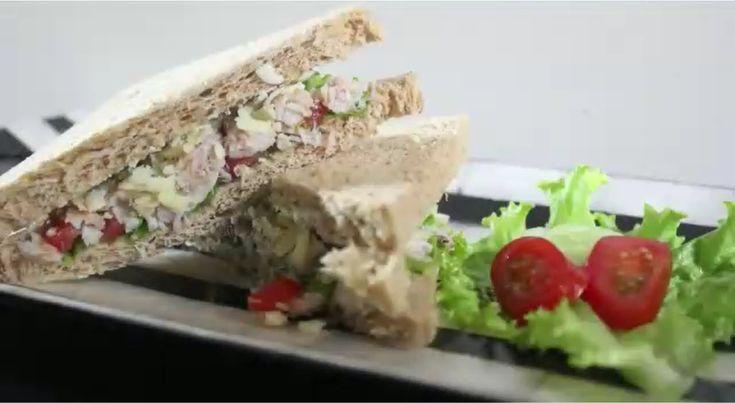 Agar si Kecil tidak bosan dengan sarapan yang begitu saja, kayaknya harus coba resep sandwich yang satu ini deh... yang praktis dan cepat disajikan... liat resep lengkapnya yuk di http://seaprimefood.com/id/recipe/sandwich-rajungan  #caramemasakrajungan #jualkepiting #kepitingrajungan #kulinerkepiting #olahankepiting #reseprajungan #seafood