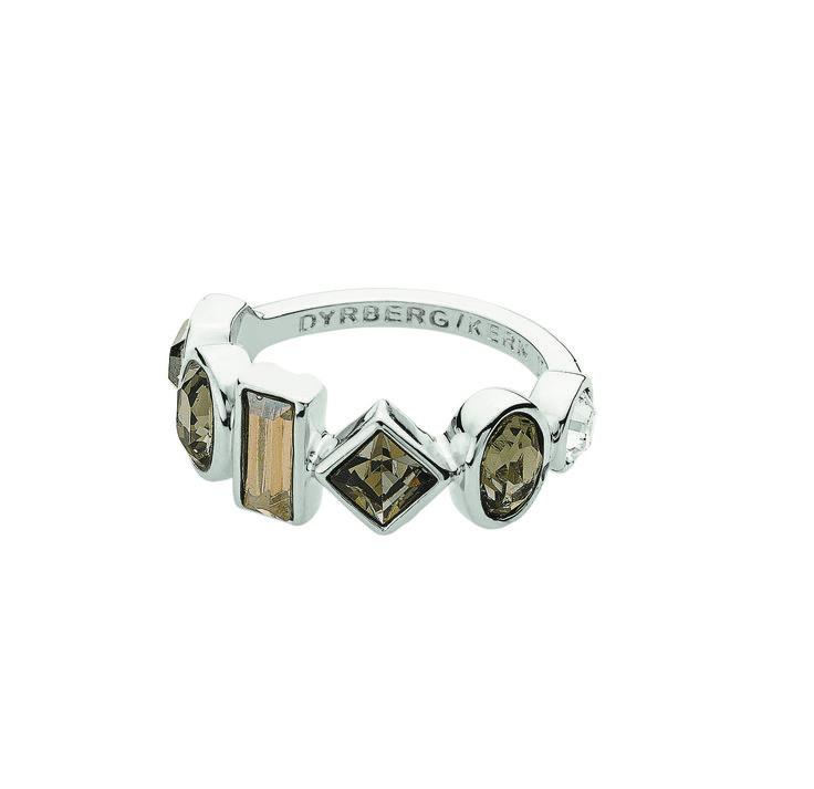Dyrberg/Kern Porieva ring - Beautiful ring from Dyrberg / Kern with Swarovski crystals.