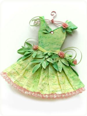 template here....http://kellbellestudio.blogspot.com/2012/03/paper-couture-xxi-green-fairy.html