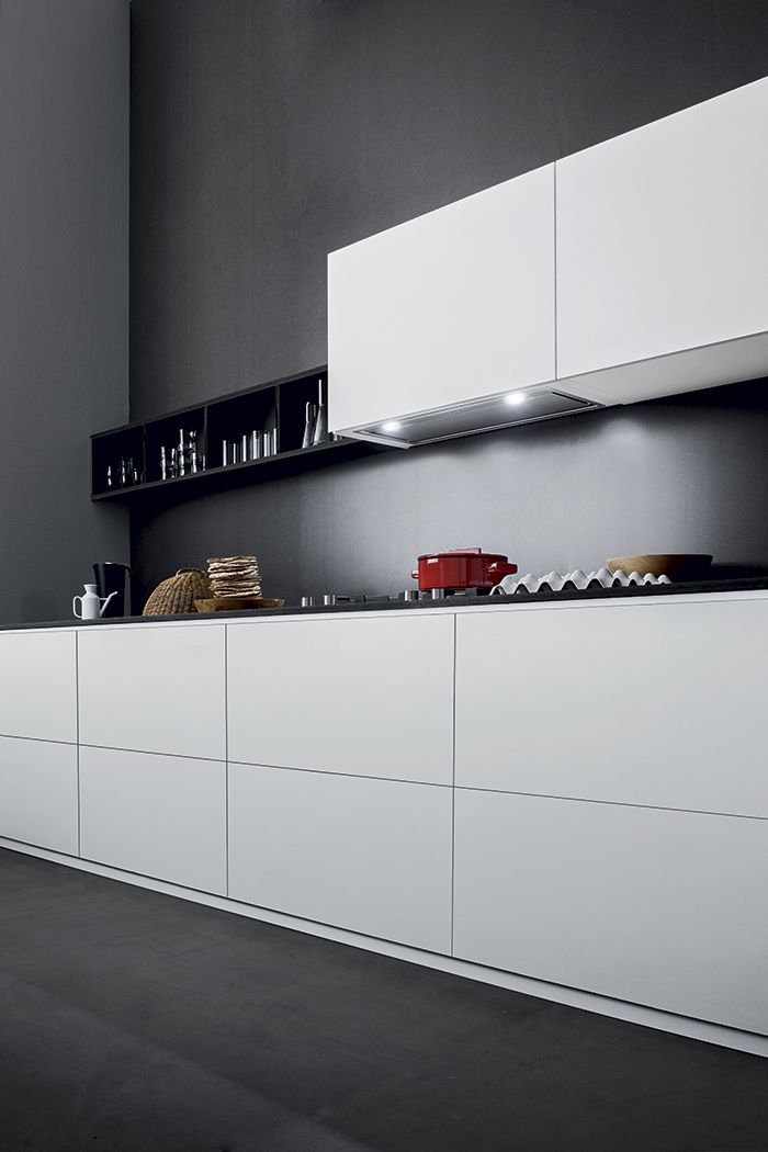 Design Gruppo Incasso. A cooker hood that integrates perfectly in your kitchen. The best performances with the utmost discretion.