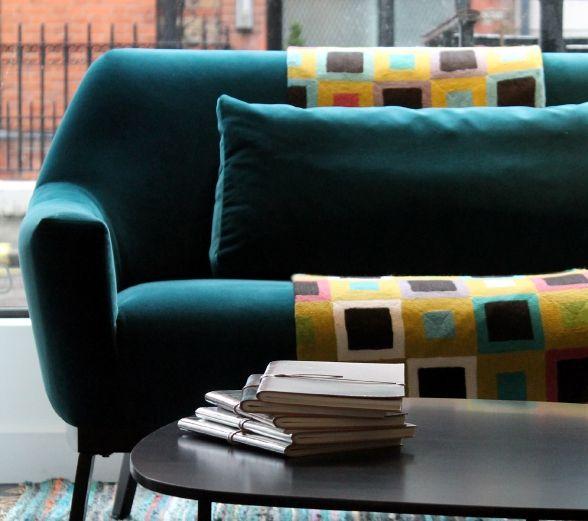 les 19 meilleures images propos de canap bleu canard. Black Bedroom Furniture Sets. Home Design Ideas