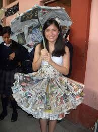 Resultado de imagen para disfraz para niñas con material reciclable