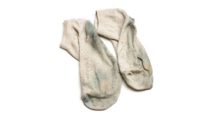 Para secar, deixe as meias esticadas