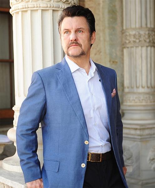 Antonio Calloni em Salve Jorge