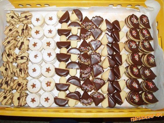 Obyčajné biele a kakaové linecké koláčiky