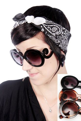 Here' some big and beautiful sunglasses!
