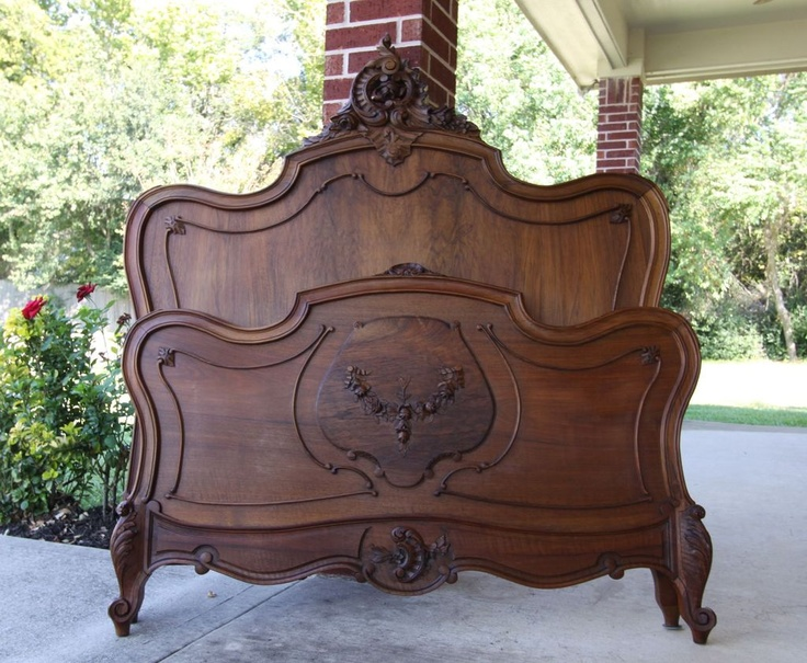 Impressive queen size antique louis xv bed walnut carved for 1800 beds