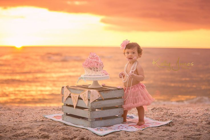 First Birthday Beach Session Naples Photographer Kelly Jones Cake Smash Session on the beach www.kellyjonesphoto.com Southwest Florida, Naples, Fort Myers Photographer