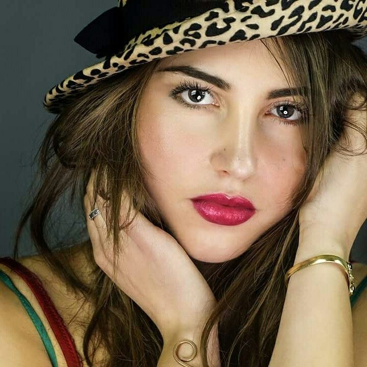 Model Esmeralda Sella Photo And make up Manuela Bottalico